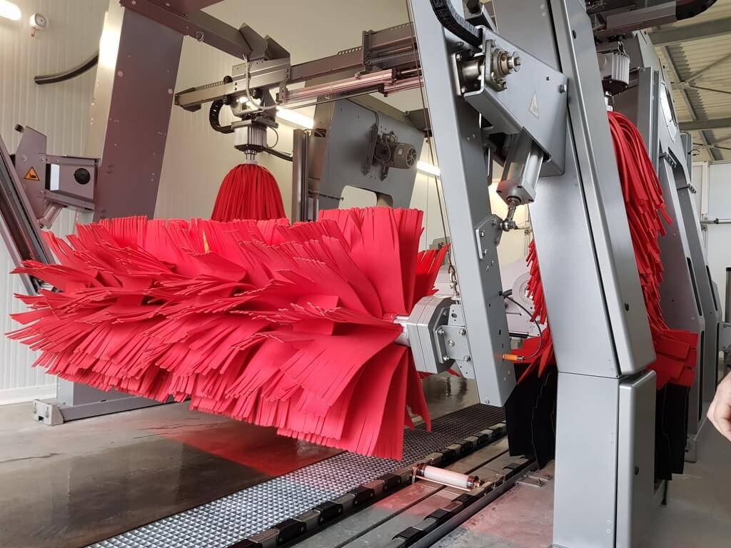 place aux rouleaux en textiles baln ocar tunnel de lavage voitures. Black Bedroom Furniture Sets. Home Design Ideas